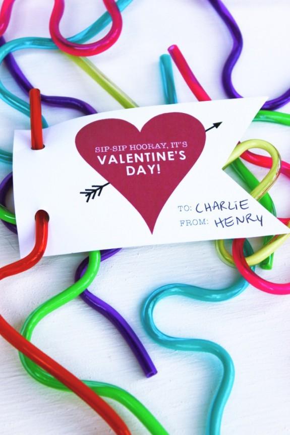imageFREE Printable Straw Valentines @michellepaigeblogs.com