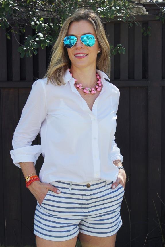 white-shirt-stripe-shorts