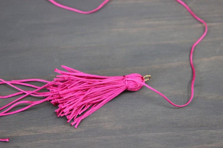 tassel-knot