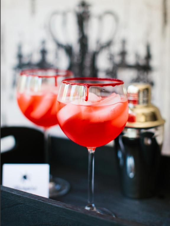 CI-Rennai-Hoefer_Halloween-cocktail-vampire-kiss_v.jpg.rend.hgtvcom.1280.1707-1