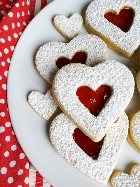 Heart-Shaped-Linzer-Cookies-2