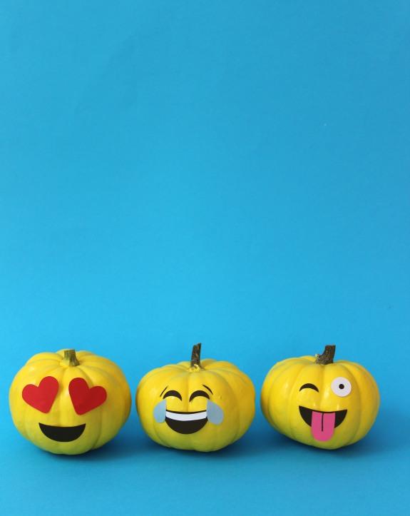 emoji-pumpkins-1